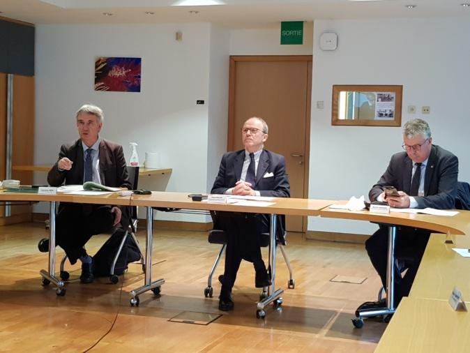Laurent Roy; directeur général agence de l'eau), Pascal Mailhos, préfet, Martial Saddier, président du comité de bassin