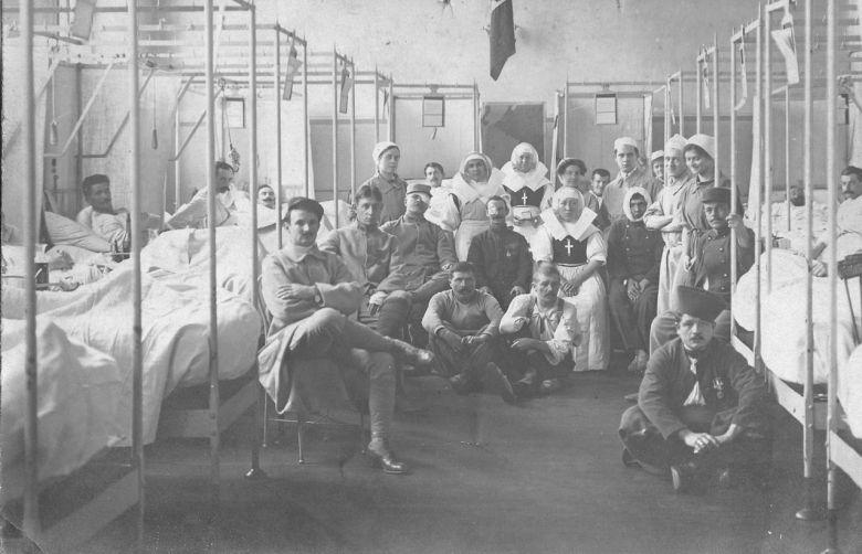 Blessés de la Première guerre mondiale dans un hôpital militaire français / © Yelkrokoyade DP